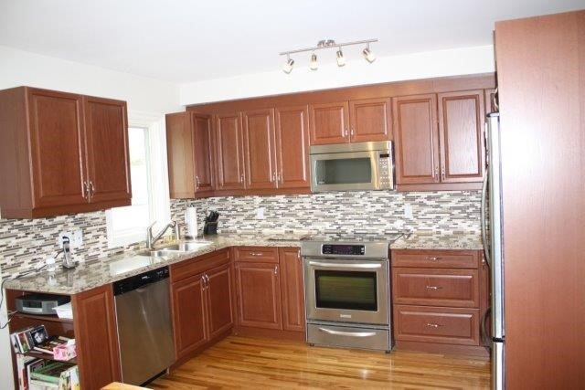 Townhouse at 3036-D Bayview Ave, Unit D, Toronto, Ontario. Image 17
