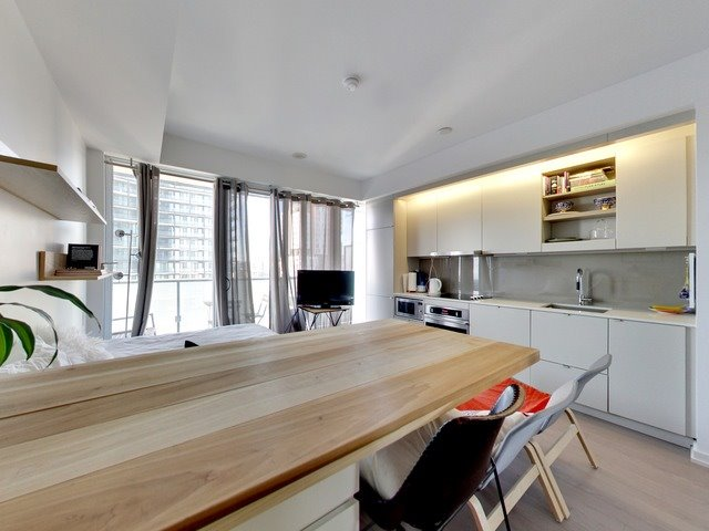 Condo Apartment at 101 Peter St, Unit 2602, Toronto, Ontario. Image 15