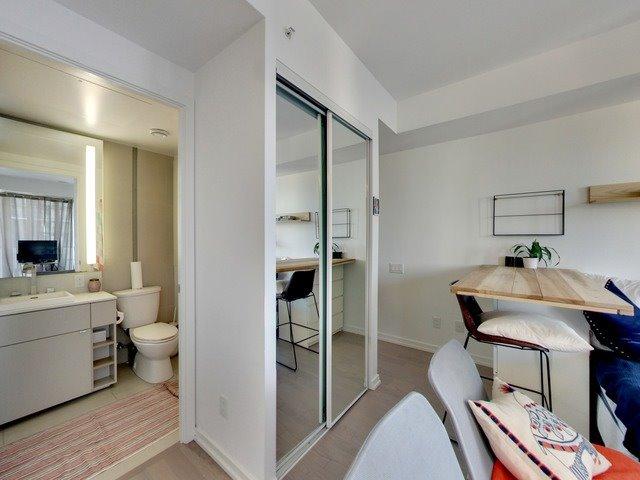 Condo Apartment at 101 Peter St, Unit 2602, Toronto, Ontario. Image 17
