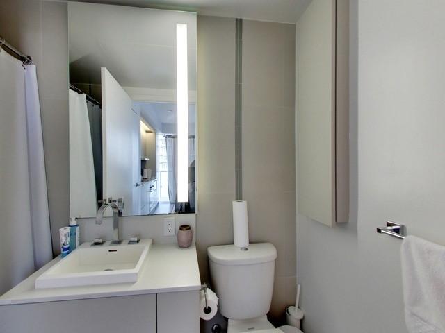 Condo Apartment at 101 Peter St, Unit 2602, Toronto, Ontario. Image 3
