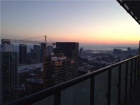 Condo Apartment at 101 Peter St, Unit 3907, Toronto, Ontario. Image 1