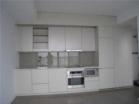 Condo Apartment at 101 Peter St, Unit 3907, Toronto, Ontario. Image 3