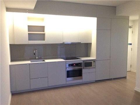 Condo Apartment at 101 Peter St, Unit 3907, Toronto, Ontario. Image 4