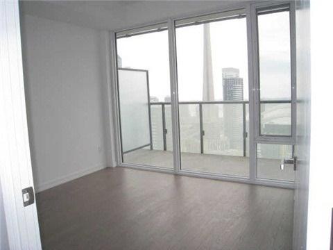 Condo Apartment at 101 Peter St, Unit 3907, Toronto, Ontario. Image 6