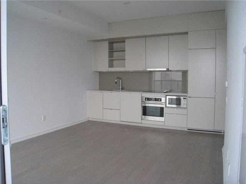 Condo Apartment at 101 Peter St, Unit 3907, Toronto, Ontario. Image 7