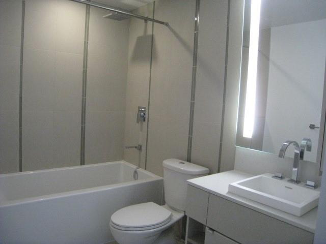 Condo Apartment at 101 Peter St, Unit 3907, Toronto, Ontario. Image 9