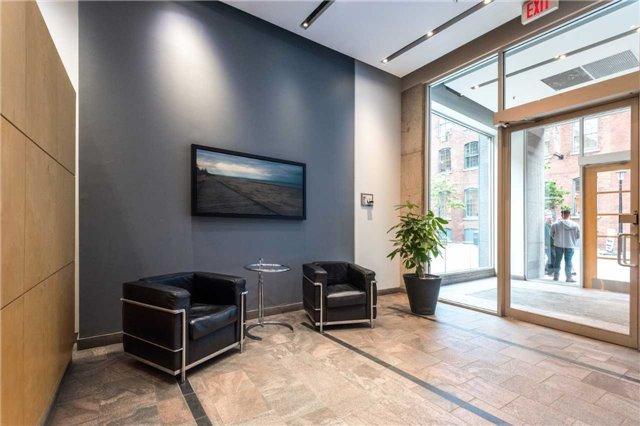 Condo Apartment at 388 Richmond St W, Unit 916, Toronto, Ontario. Image 12