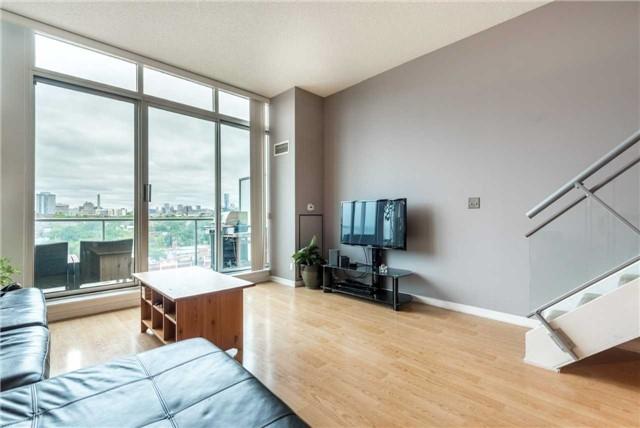 Condo Apartment at 388 Richmond St W, Unit 916, Toronto, Ontario. Image 15