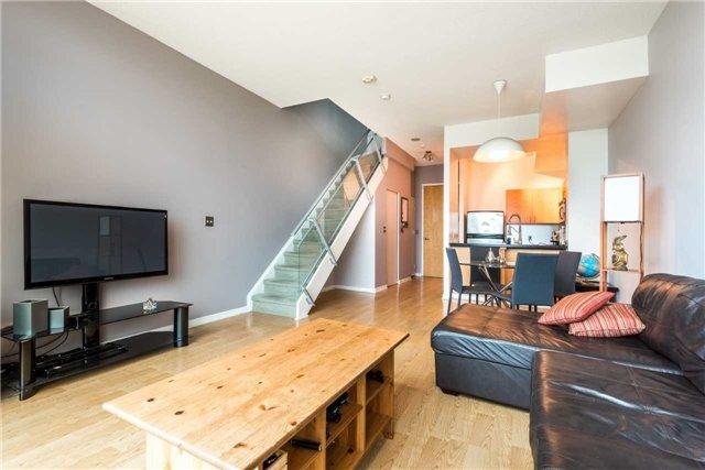 Condo Apartment at 388 Richmond St W, Unit 916, Toronto, Ontario. Image 16