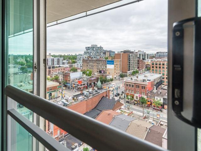 Condo Apartment at 388 Richmond St W, Unit 916, Toronto, Ontario. Image 7