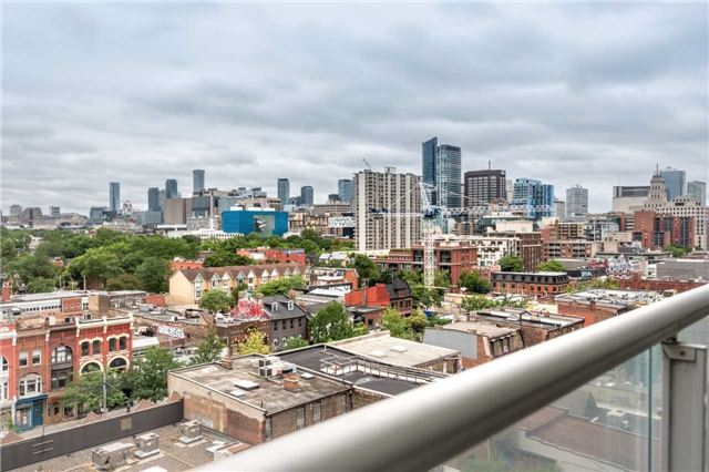 Condo Apartment at 388 Richmond St W, Unit 916, Toronto, Ontario. Image 9