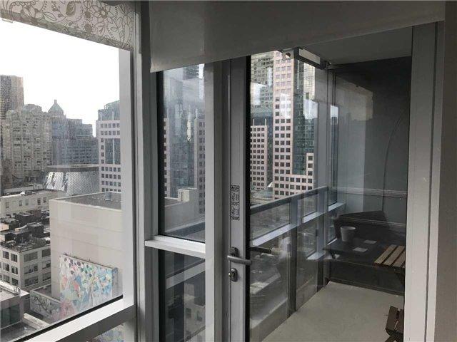 Condo Apartment at 295 Adelaide St W, Unit 1606, Toronto, Ontario. Image 2