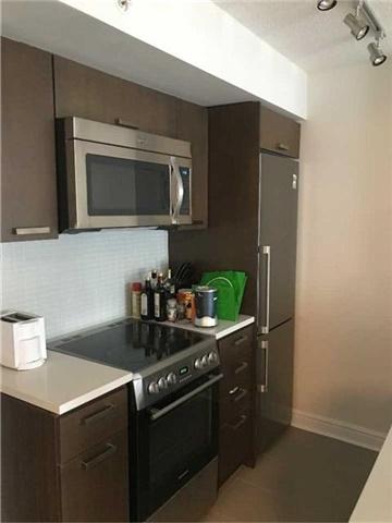 Condo Apartment at 295 Adelaide St W, Unit 1606, Toronto, Ontario. Image 4
