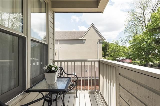 Detached at 193 Deloraine Ave, Toronto, Ontario. Image 4