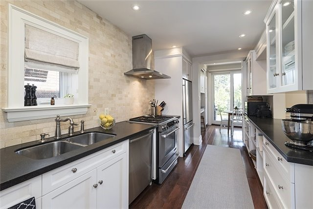 Detached at 193 Deloraine Ave, Toronto, Ontario. Image 10