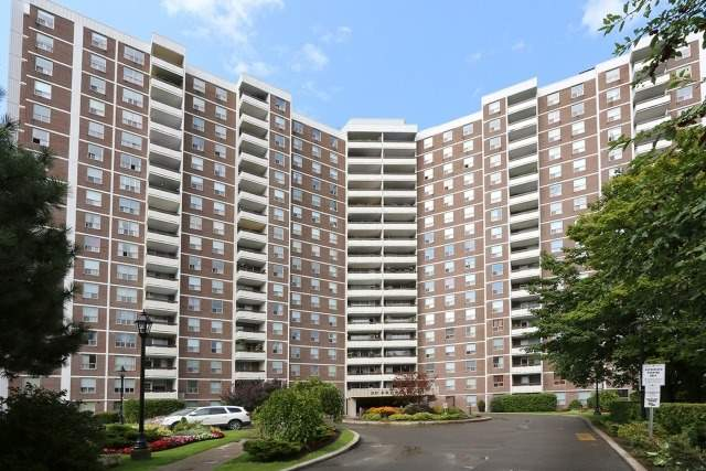 Condo Apartment at 20 Edgecliff Gfwy, Unit 1506, Toronto, Ontario. Image 1