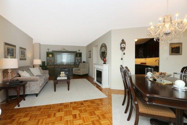 Condo Apartment at 20 Edgecliff Gfwy, Unit 1506, Toronto, Ontario. Image 6