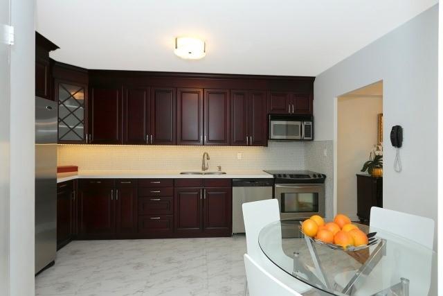 Condo Apartment at 20 Edgecliff Gfwy, Unit 1506, Toronto, Ontario. Image 9