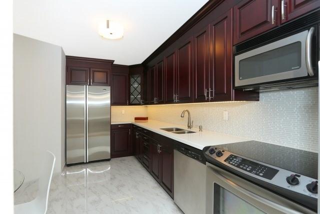 Condo Apartment at 20 Edgecliff Gfwy, Unit 1506, Toronto, Ontario. Image 10