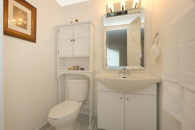 Condo Apartment at 20 Edgecliff Gfwy, Unit 1506, Toronto, Ontario. Image 11