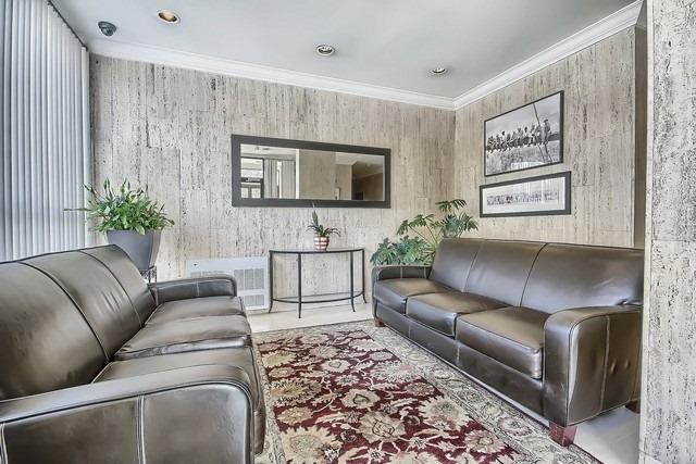 Condo Apartment at 3555 Bathurst St, Unit 707, Toronto, Ontario. Image 12