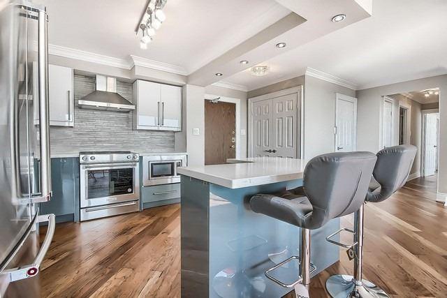 Condo Apartment at 3555 Bathurst St, Unit 707, Toronto, Ontario. Image 15