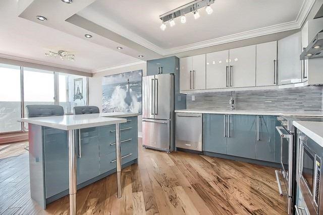 Condo Apartment at 3555 Bathurst St, Unit 707, Toronto, Ontario. Image 18