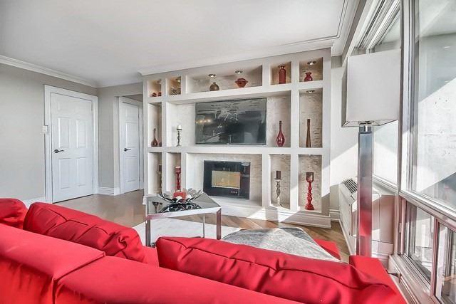 Condo Apartment at 3555 Bathurst St, Unit 707, Toronto, Ontario. Image 3