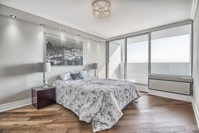 Condo Apartment at 3555 Bathurst St, Unit 707, Toronto, Ontario. Image 4