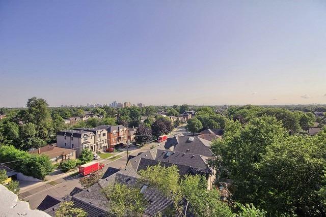 Condo Apartment at 3555 Bathurst St, Unit 707, Toronto, Ontario. Image 13