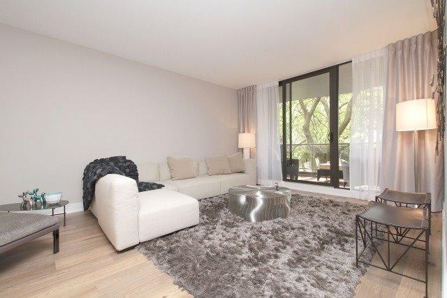 Condo Apartment at 350 Lonsdale Rd, Unit 409, Toronto, Ontario. Image 16