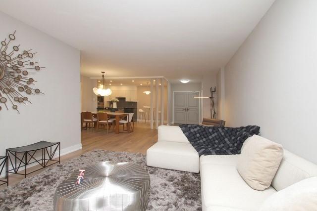Condo Apartment at 350 Lonsdale Rd, Unit 409, Toronto, Ontario. Image 17
