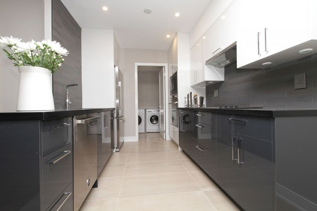 Condo Apartment at 350 Lonsdale Rd, Unit 409, Toronto, Ontario. Image 20