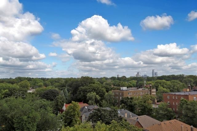 Condo Apartment at 350 Lonsdale Rd, Unit 409, Toronto, Ontario. Image 13