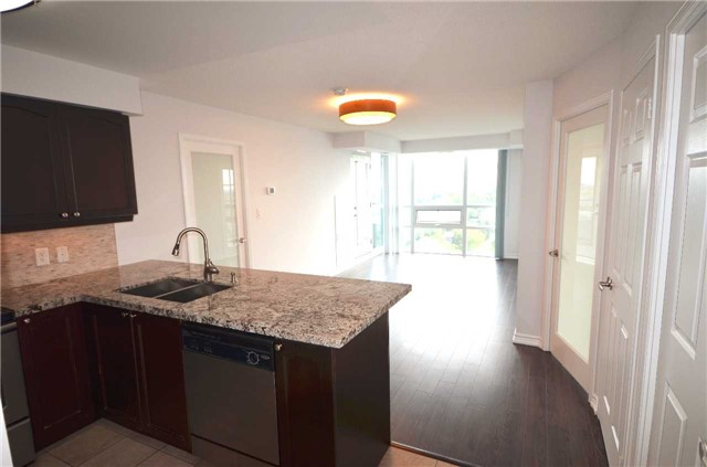 Condo Apartment at 35 Hollywood Ave, Unit 2021, Toronto, Ontario. Image 10