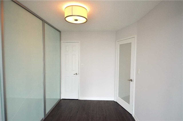 Condo Apartment at 35 Hollywood Ave, Unit 2021, Toronto, Ontario. Image 14