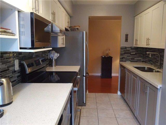 Condo Apartment at 155 Beecroft Rd, Unit 215, Toronto, Ontario. Image 5
