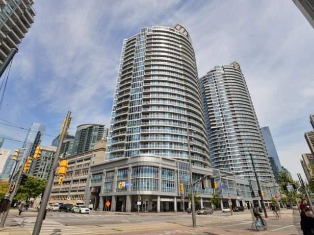 Condo Apartment at 218 Queens Quay W, Unit 209, Toronto, Ontario. Image 1