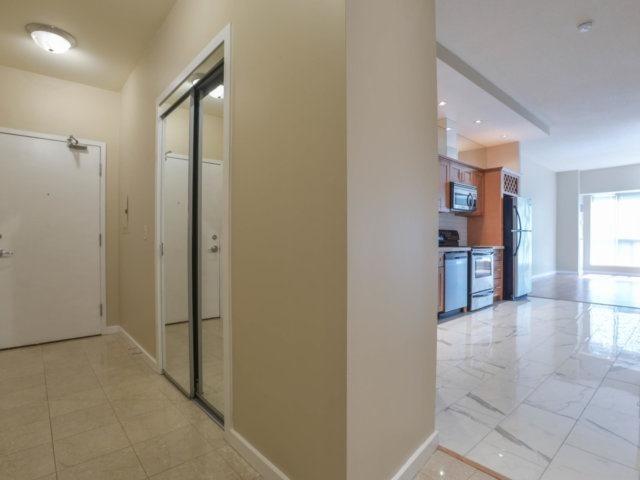 Condo Apartment at 218 Queens Quay W, Unit 209, Toronto, Ontario. Image 14
