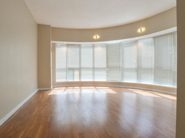 Condo Apartment at 218 Queens Quay W, Unit 209, Toronto, Ontario. Image 2