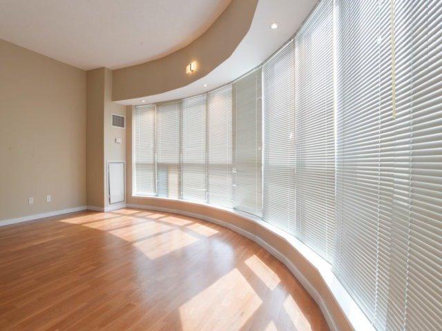 Condo Apartment at 218 Queens Quay W, Unit 209, Toronto, Ontario. Image 4