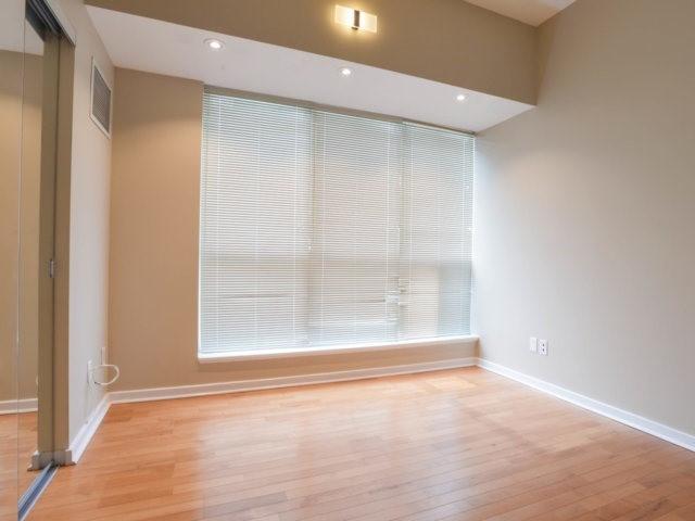 Condo Apartment at 218 Queens Quay W, Unit 209, Toronto, Ontario. Image 6