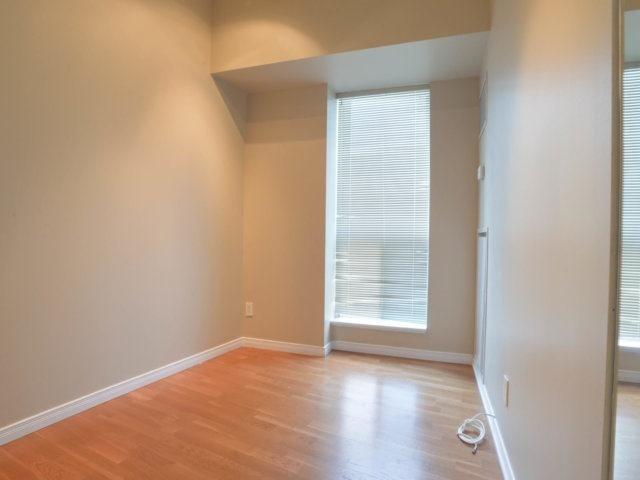 Condo Apartment at 218 Queens Quay W, Unit 209, Toronto, Ontario. Image 7