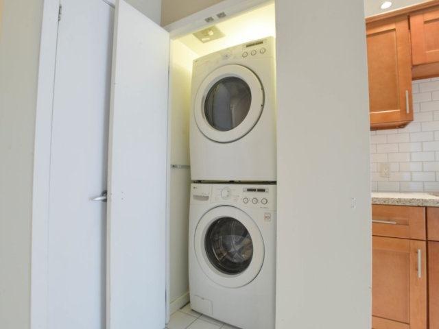 Condo Apartment at 218 Queens Quay W, Unit 209, Toronto, Ontario. Image 9