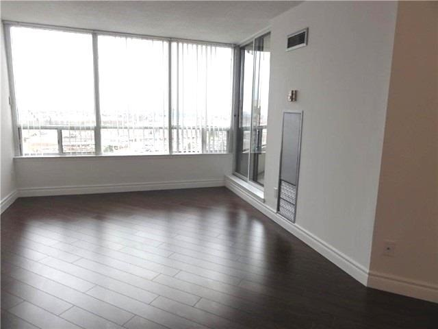 Condo Apartment at 1101 Steeles Ave W, Unit 1401, Toronto, Ontario. Image 12