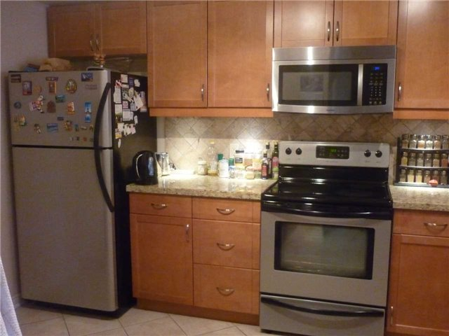 Condo Apartment at 1101 Steeles Ave W, Unit 1401, Toronto, Ontario. Image 17