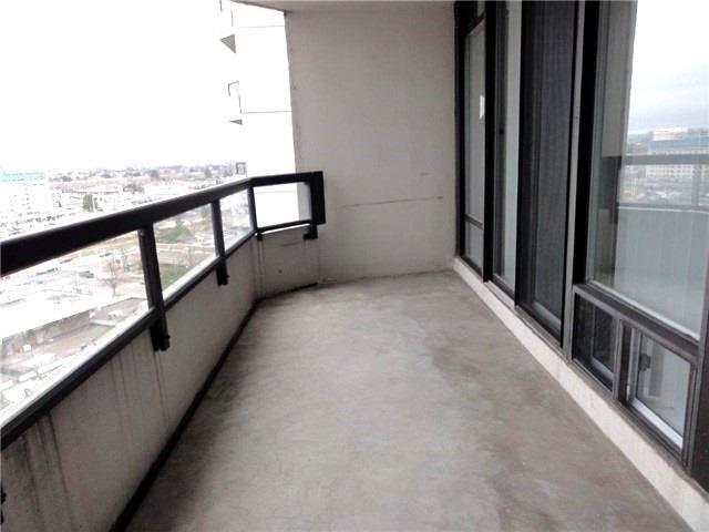 Condo Apartment at 1101 Steeles Ave W, Unit 1401, Toronto, Ontario. Image 2