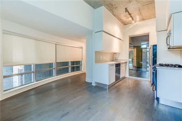 Condo Apartment at 399 Adelaide St W, Unit 214, Toronto, Ontario. Image 5