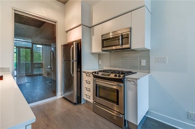 Condo Apartment at 399 Adelaide St W, Unit 214, Toronto, Ontario. Image 6