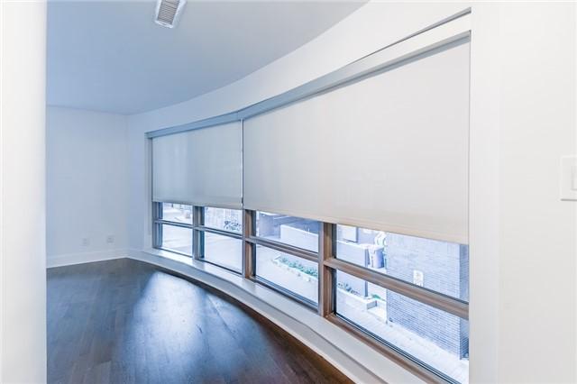 Condo Apartment at 399 Adelaide St W, Unit 214, Toronto, Ontario. Image 8